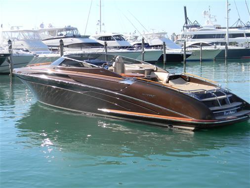 2005 Riva 44 $530,000